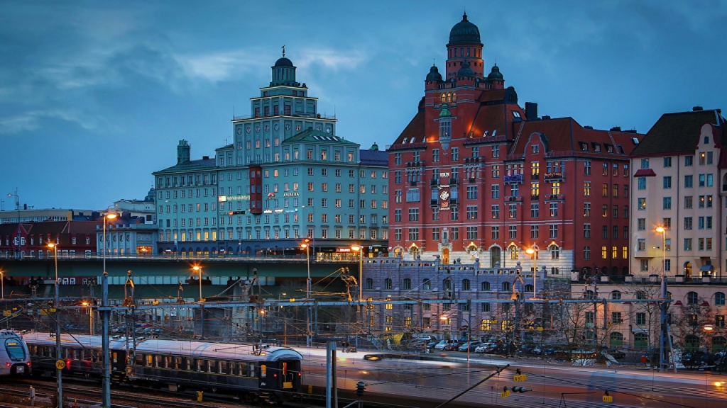 Sweden_Stockholm_Houses_Bridges_Trains_Evening_537192_1280x720.jpg
